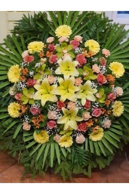 Vegyes koszorú sárga virágokból