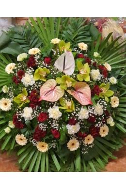 Vegyes koszorú színes virágokból